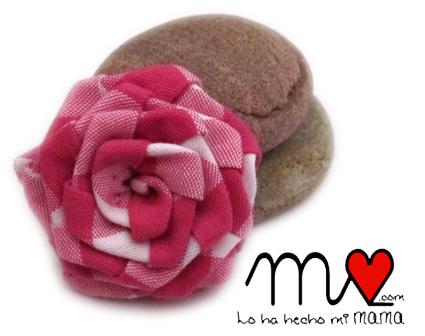 blusa Carmen - broche flor