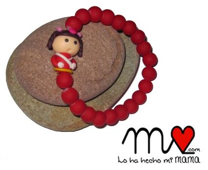 Pulsera roja muñeca