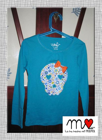 camiseta calavera azul claro